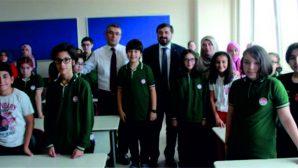 Şenlikoğlu öğrencileri  ilk günlerinde yalnız bırakmadı